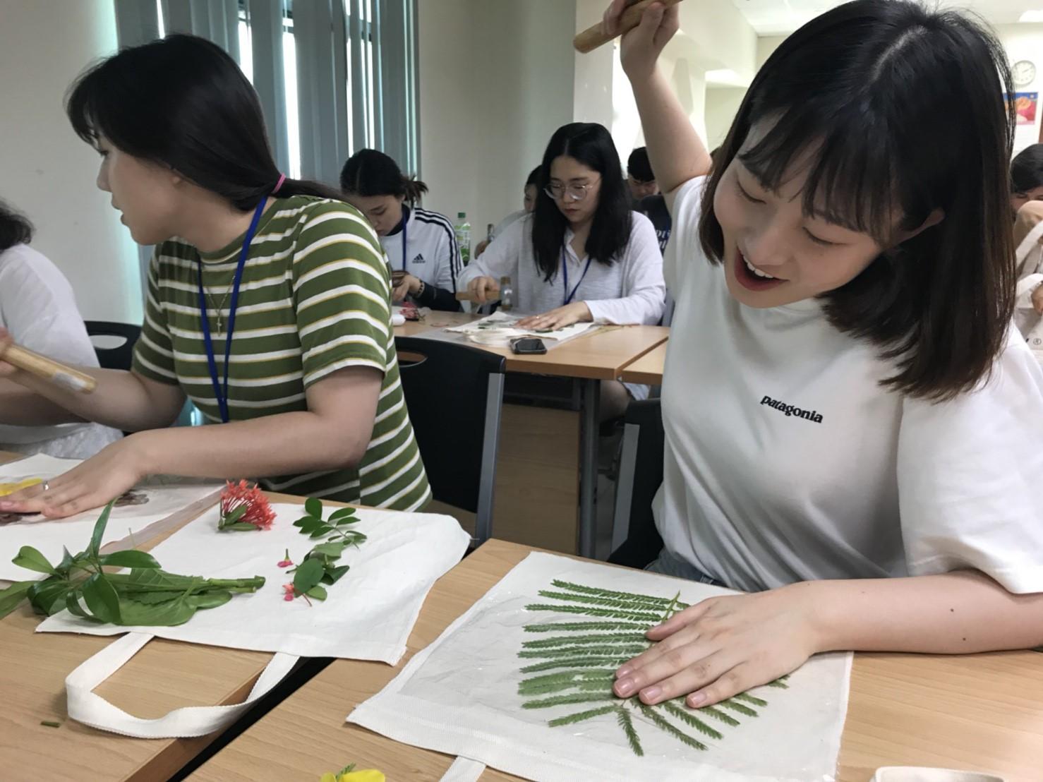 2018-07-17 文化課程 Hammered Leaf and Flower Prints